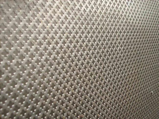 Chapa perforada for Casetas de chapa galvanizada precios